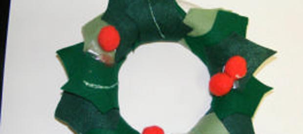 Felt Holly Wreath