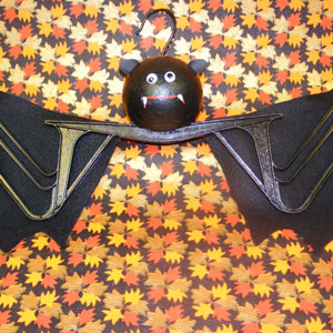 HALLOWEEN BATTY BAT