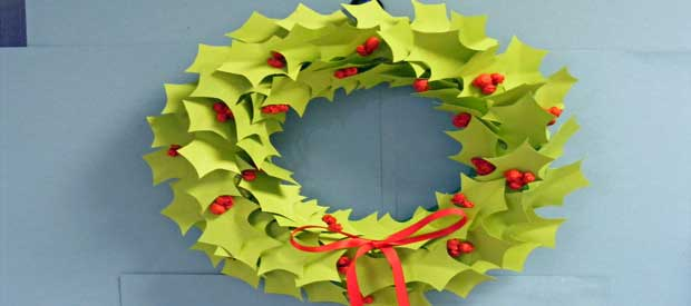 Holly Wreath Play Resource