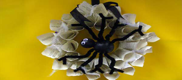 SPOOKY SPIDER WREATH