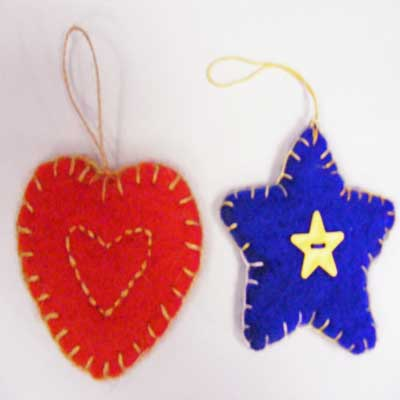 FELTED CHRISTMAS TREE DECORATIONS