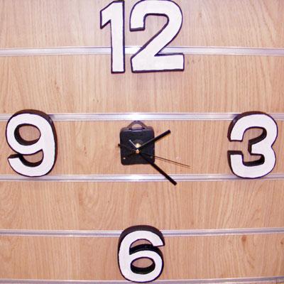 GLOW IN THE DARK NUMBER CLOCK