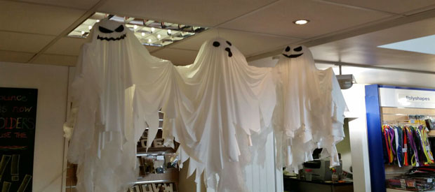 HANGING GHOST DECORATIONS - Play Resource