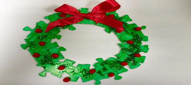 JIGSAW CHRISTMAS WREATH