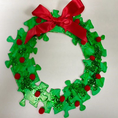 JIGSAW CHRISTMAS WREATH